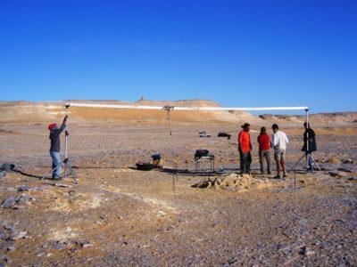 Oasi di Farafra. Strumentazione per rilievo  fotografico  digitale  delle strutture di Sheikh el Obeiyid..