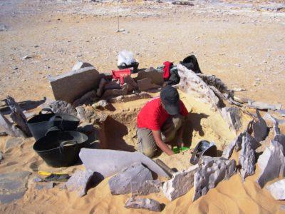 Oasi di Farafra. Struttura circolare  nel Villaggio di Sheikh el Obeiyid durante lo scavo.