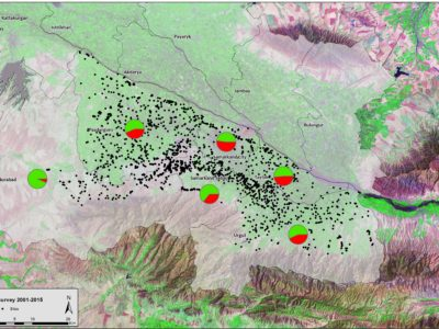 La regione di Samarcanda e i siti archeologici censiti dal PAIU 2001-2016 (sullo sfondo un'immagine satellitare LANDSAT, 1992). • The region of Samarkand and the archaeological sites surveyed by UIAP 2001-2016 (on the background a LANDSAT satellite image, 1992).