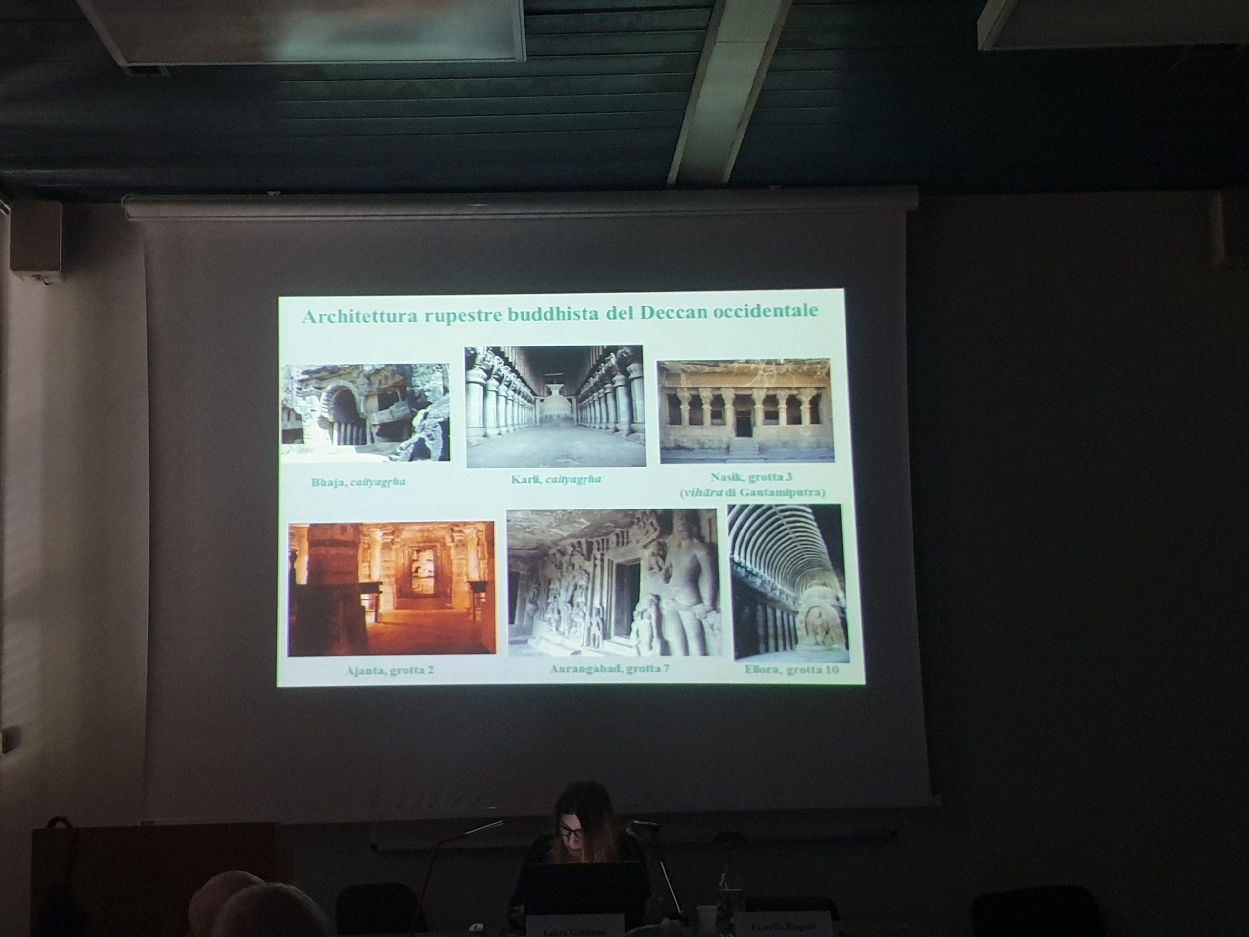 """La dott.ssa Laura Giuliano (Museo delle Civiltà) interviene sul tema """"Cercando la luce celata nella roccia. Il progetto indo-italiano di ricognizione nelle grotte brahmaniche dell'India occidentale""""."""
